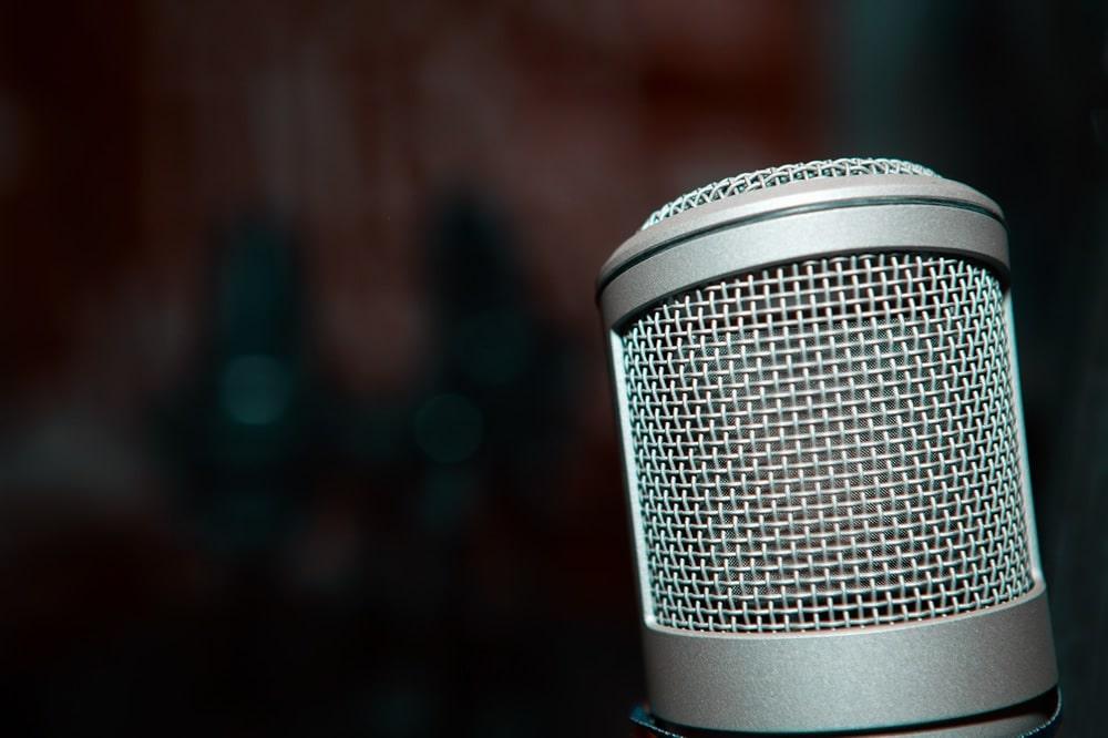AKG Vocal Condenser Microphone - microphonebasics