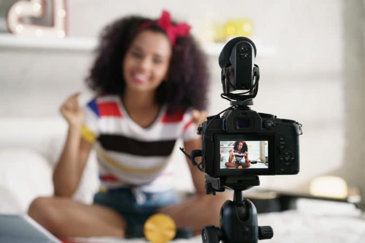 dslr shotgun for youtube vlogging