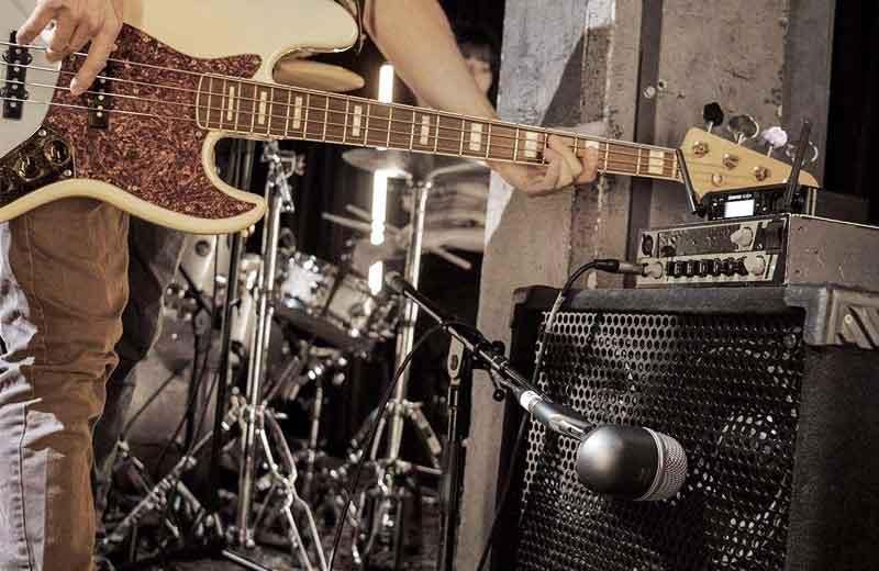 Best Mics For Bass Amp