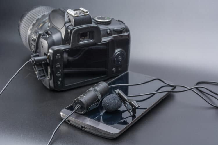 use with a DSLR to capture amazing audio